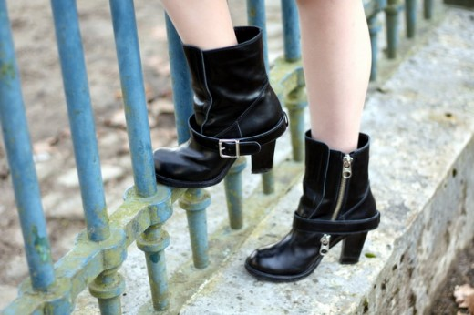 chloe-motorcycle-boots