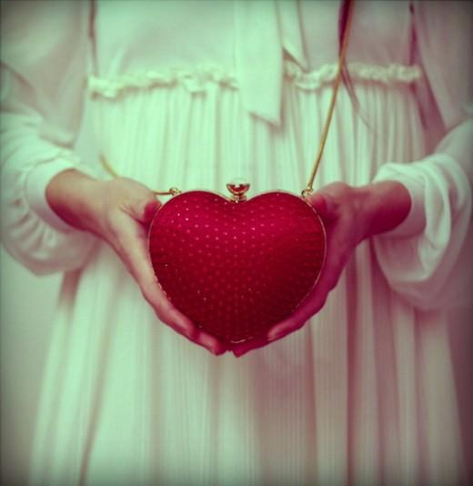 topshop-heart-clutch