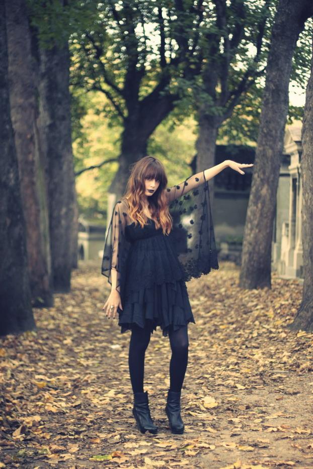 louise-ebel-halloween-1