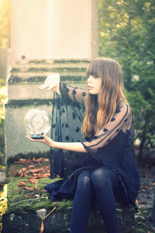 louise-ebel-halloween-3