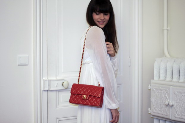 red-255-chanel-5