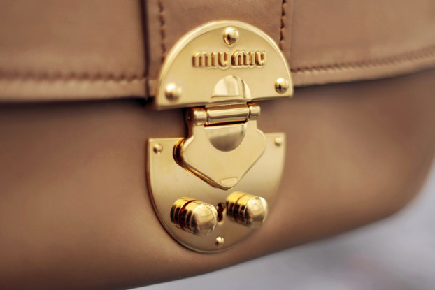 miu-miu-vitella-bag-3