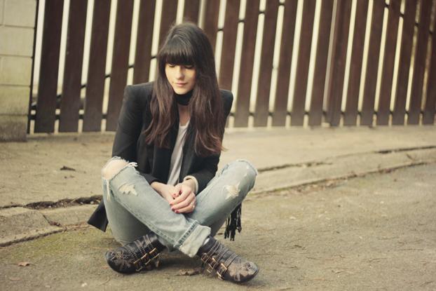 http://www.thecherryblossomgirl.com/wp-content/uploads/2010/01/susan-chloe-boots-4.jpg