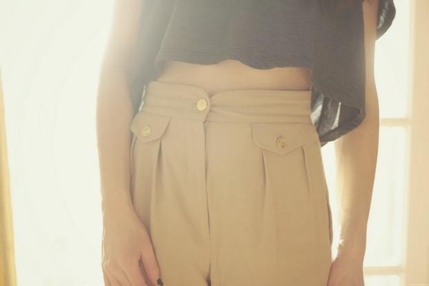 american-apparel-cropped-top-vintage-pants-2