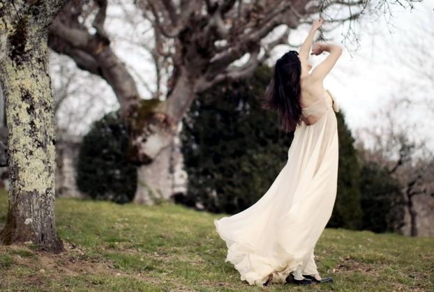 maria-lucia-hohan-bow-gown-4