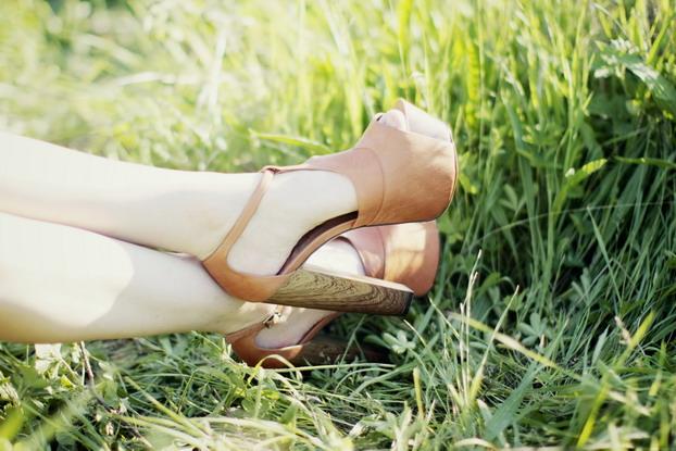 jessica-simpson-charles-anastase-heels