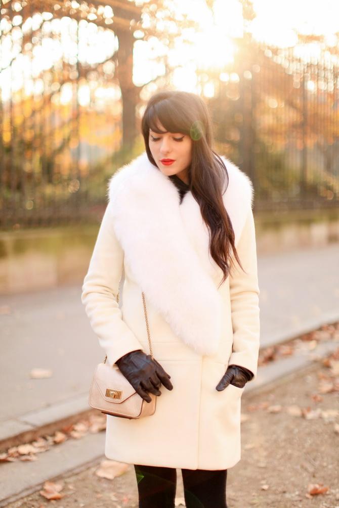 http://www.thecherryblossomgirl.com/wp-content/uploads/2012/12/Tara-Jarmon-White-Coat-05.jpg