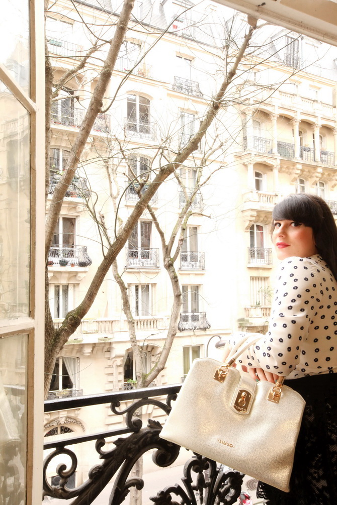 The Cherry Blossom Girl - Liu Jo Bag in Paris 01