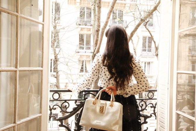 The Cherry Blossom Girl - Liu Jo Bag in Paris 02