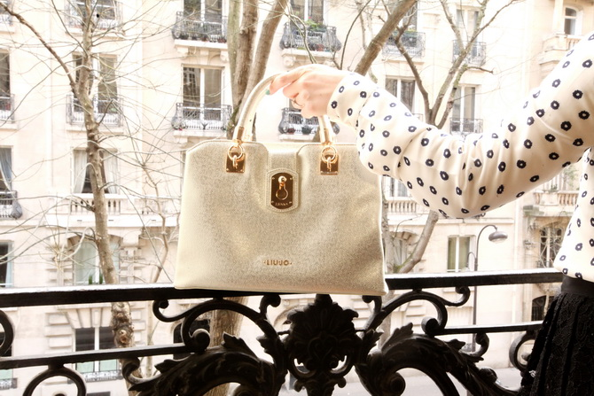 The Cherry Blossom Girl - Liu Jo Bag in Paris 03